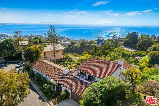 866 Vista Pacifica, Pacific Palisades, CA 90272 (#21-717240) :: Randy Plaice and Associates