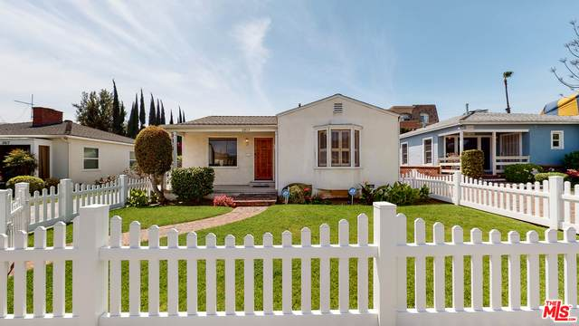 2813 S Bentley Ave, Los Angeles, CA 90064 (#21-717272) :: Lydia Gable Realty Group