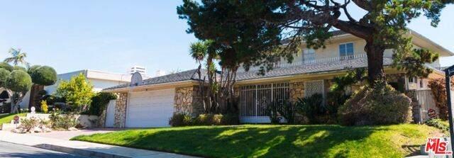 5238 Los Encantos Way, Los Angeles, CA 90027 (MLS #21-717494) :: Zwemmer Realty Group