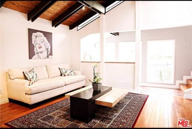 2268 Laurel Canyon Blvd, Los Angeles, CA 90046 (#21-717512) :: Amazing Grace Real Estate | Coldwell Banker Realty