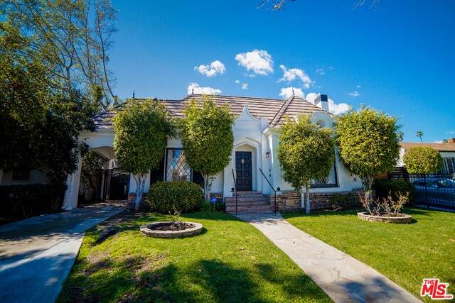 217 S Stanley Dr, Beverly Hills, CA 90211 (#21-717892) :: The Parsons Team