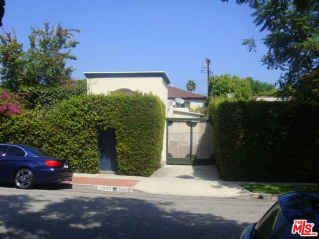 8905-- 8907 Rosewood Ave - Photo 1
