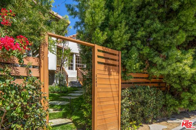 2201 Willetta Ave, Los Angeles, CA 90068 (#21-718888) :: Lydia Gable Realty Group