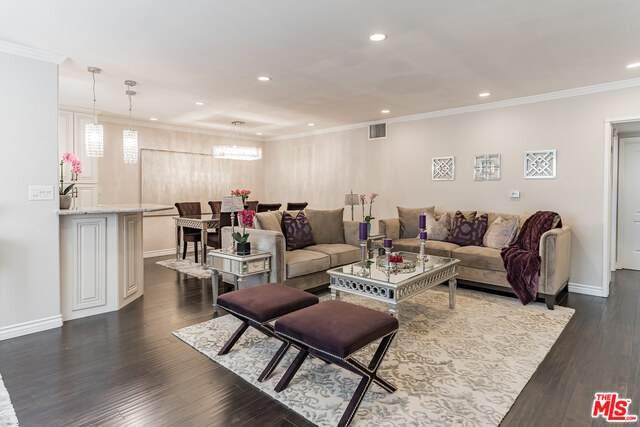 4358 Mammoth Ave #16, Sherman Oaks, CA 91423 (MLS #21-719172) :: The John Jay Group - Bennion Deville Homes