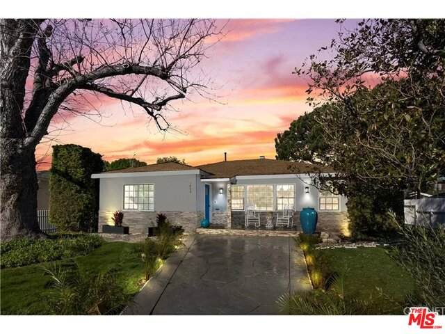5655 Natick Ave, Sherman Oaks, CA 91411 (MLS #21-719200) :: The John Jay Group - Bennion Deville Homes