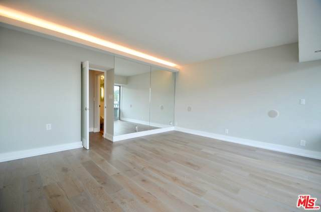 999 N Doheny Dr #1201, West Hollywood, CA 90069 (MLS #21-719238) :: The John Jay Group - Bennion Deville Homes