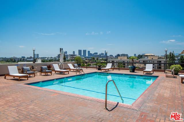 325 N Oakhurst Dr #202, Beverly Hills, CA 90210 (#21-719348) :: Lydia Gable Realty Group