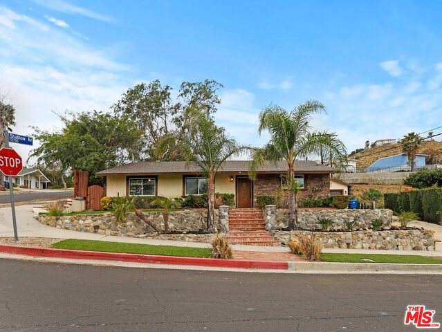 13796 Marchant Ave, Sylmar, CA 91342 (MLS #21-719374) :: Zwemmer Realty Group