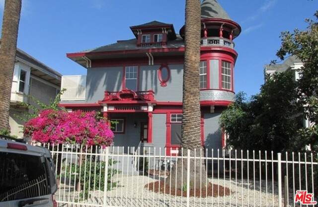 1032 S Bonnie Brae St #4, Los Angeles, CA 90006 (#21-719806) :: TruLine Realty