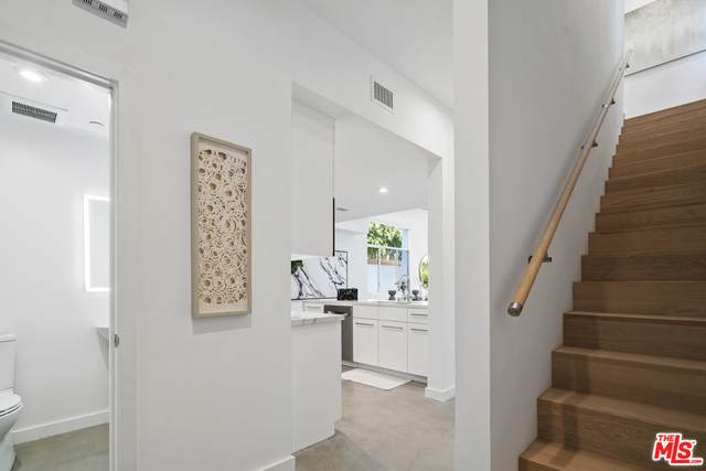 507 N Orlando Ave #101, West Hollywood, CA 90048 (#21-719902) :: The Parsons Team