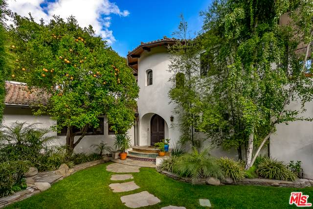3606 Mandeville Canyon Rd, Los Angeles, CA 90049 (#21-719920) :: Compass