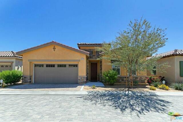 4447 Via Del Pellegrino, Palm Desert, CA 92260 (MLS #21-720360) :: Hacienda Agency Inc