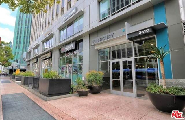 3810 Wilshire Blvd #1006, Los Angeles, CA 90010 (#21-720734) :: Lydia Gable Realty Group