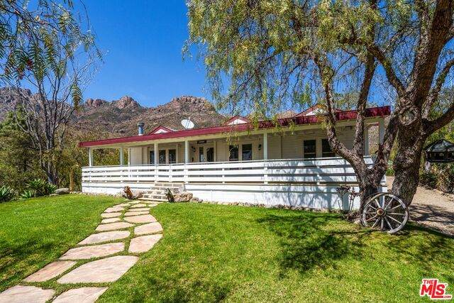 12555 Yerba Buena Rd, Malibu, CA 90265 (#21-720766) :: Lydia Gable Realty Group