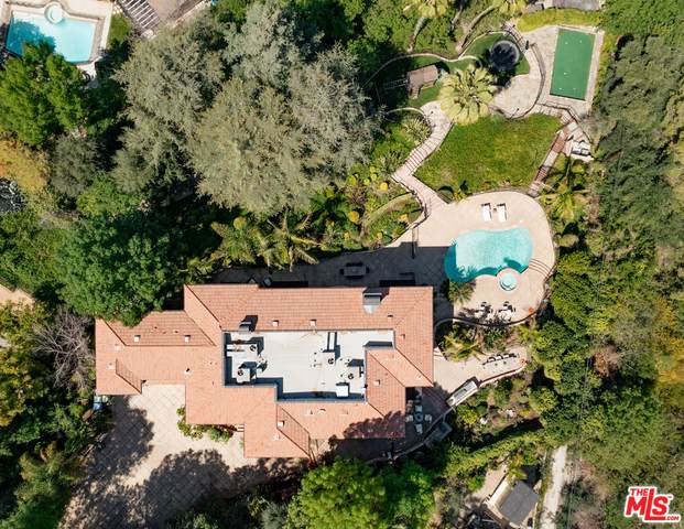 4694 Brewster Dr, Tarzana, CA 91356 (#21-721226) :: Randy Plaice and Associates