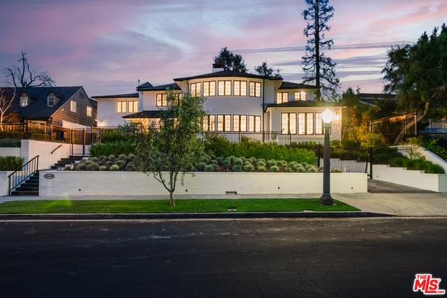 10125 Valley Spring Ln, Toluca Lake, CA 91602 (#21-721474) :: Berkshire Hathaway HomeServices California Properties