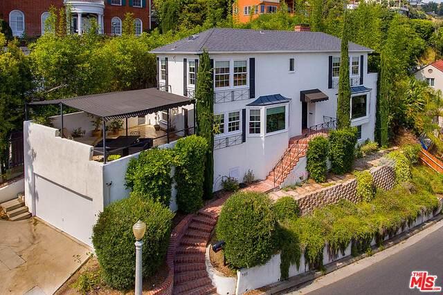 7911 Hillside Ave, Los Angeles, CA 90046 (#21-722354) :: Randy Plaice and Associates