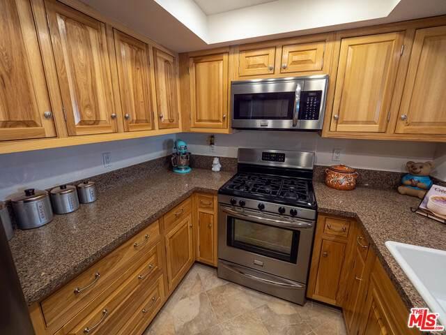 1572 Charterwood Ct, Thousand Oaks, CA 91362 (#21-722680) :: Lydia Gable Realty Group
