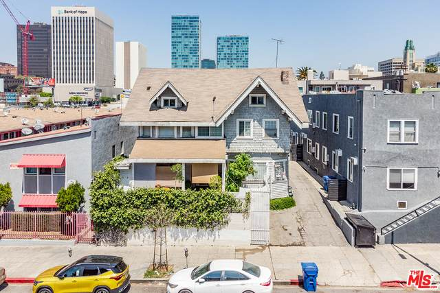 2961 W 8Th St, Los Angeles, CA 90005 (MLS #21-722764) :: Hacienda Agency Inc