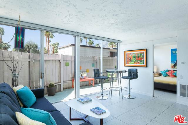1111 E Palm Canyon Dr #118, Palm Springs, CA 92264 (MLS #21-725282) :: Zwemmer Realty Group