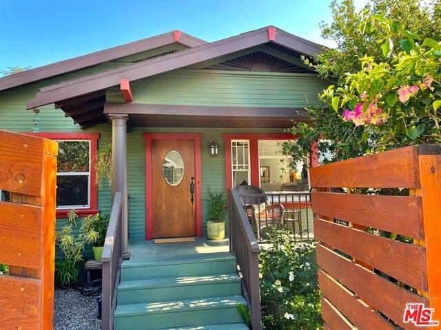6172 St Albans St, Los Angeles, CA 90042 (#21-725858) :: Berkshire Hathaway HomeServices California Properties