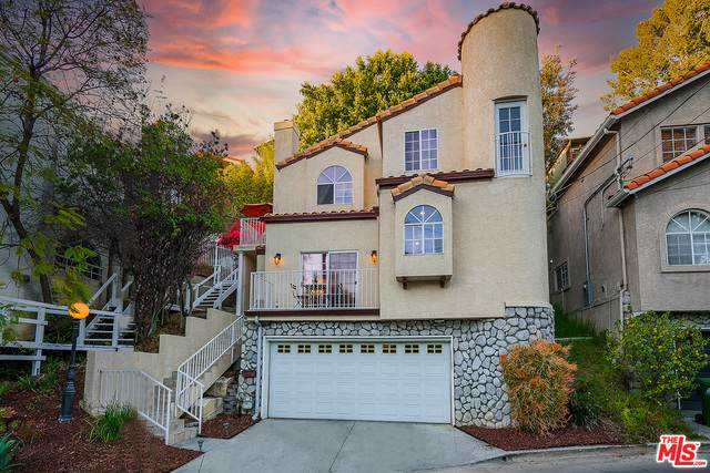 726 Sunnyhill Dr, Los Angeles, CA 90065 (MLS #21-725888) :: The Jelmberg Team