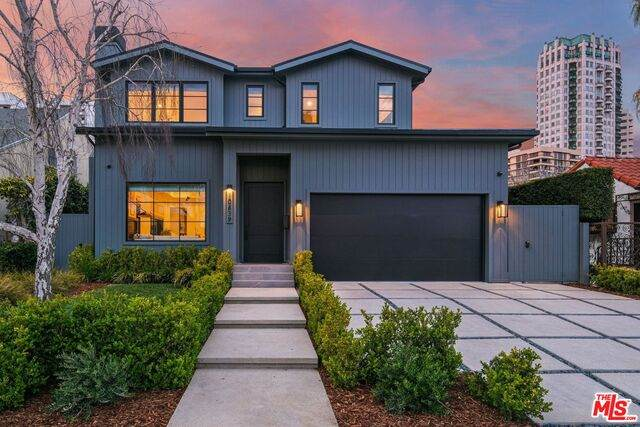 10639 Wellworth Ave, Los Angeles, CA 90024 (#21-726034) :: Berkshire Hathaway HomeServices California Properties