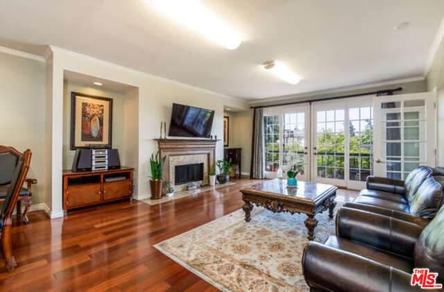 4595 Wilshire Blvd #306, Los Angeles, CA 90010 (#21-726676) :: Berkshire Hathaway HomeServices California Properties