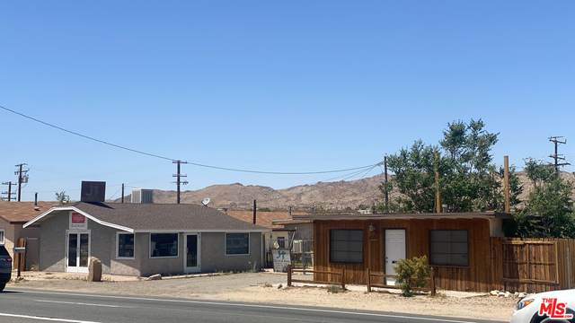 61952 Twentynine Palms Hwy, Joshua Tree, CA 92252 (#21-726932) :: Berkshire Hathaway HomeServices California Properties