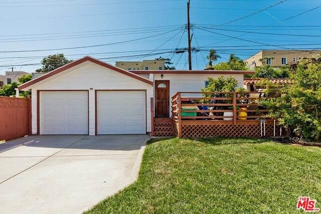 1181 S Mullen Ave, Los Angeles, CA 90019 (#21-727094) :: Berkshire Hathaway HomeServices California Properties