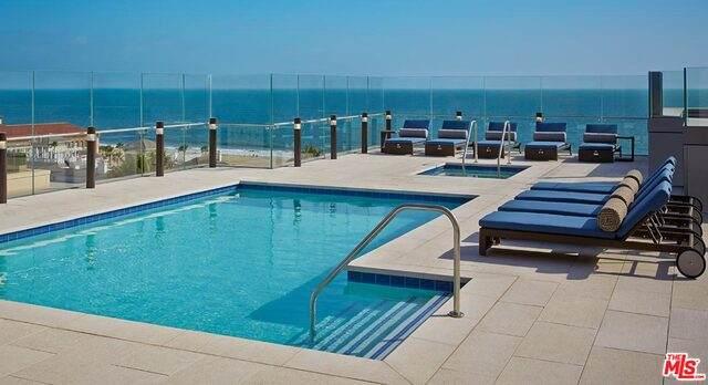 1755 Ocean #301, Santa Monica, CA 90401 (#21-727216) :: TruLine Realty