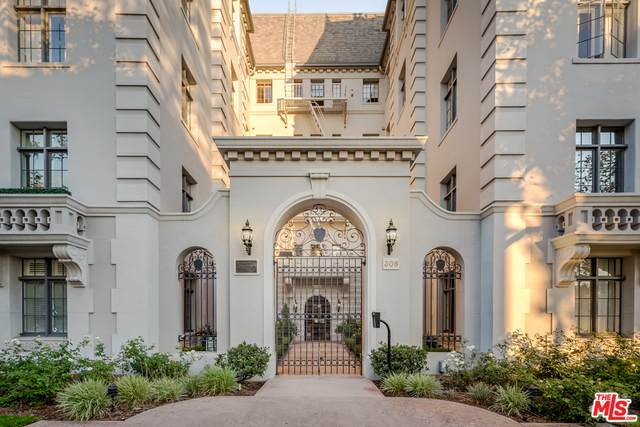 308 N Sycamore Ave #206, Los Angeles, CA 90036 (#21-727406) :: Berkshire Hathaway HomeServices California Properties
