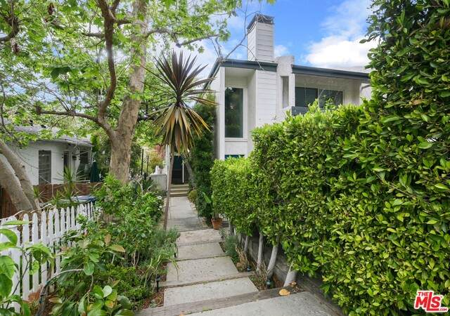 807 Haverford Ave, Pacific Palisades, CA 90272 (#21-727788) :: Randy Plaice and Associates