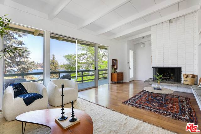 2001 Balmer Dr, Los Angeles, CA 90039 (#21-727838) :: The Pratt Group