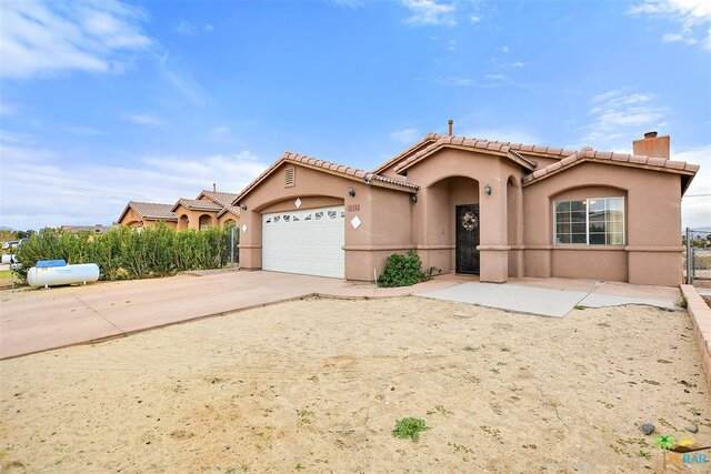 16511 Avenida Merced, Desert Hot Springs, CA 92240 (MLS #21-727882) :: The Jelmberg Team