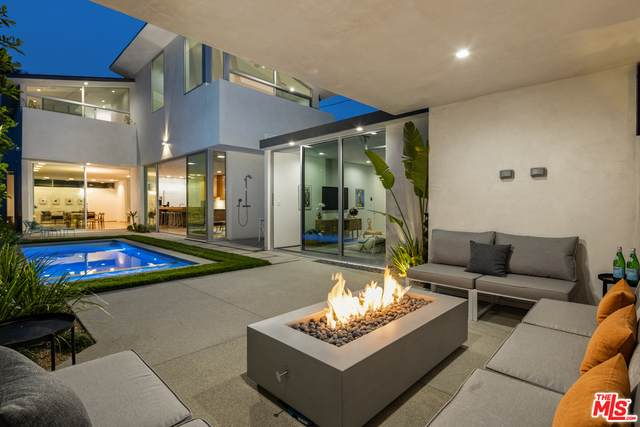 3632 Greenwood Ave, Los Angeles, CA 90066 (#21-727900) :: TruLine Realty