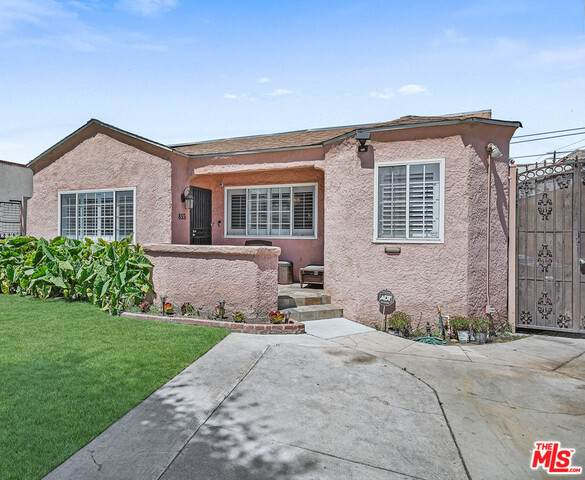855 E 82Nd St, Los Angeles, CA 90001 (#21-728022) :: Berkshire Hathaway HomeServices California Properties