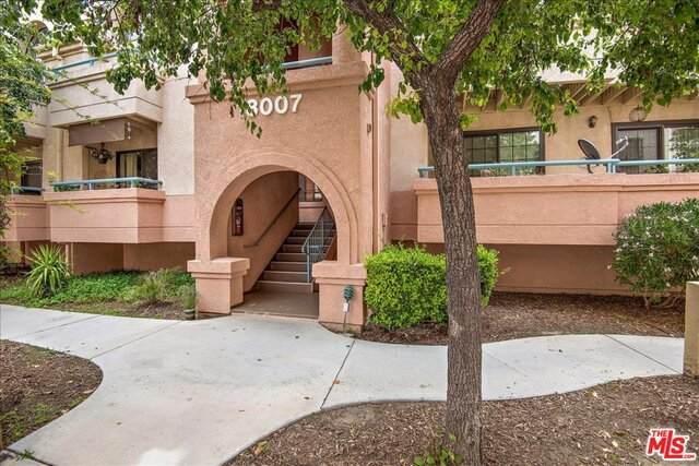 18007 Flynn Dr #526, Santa Clarita, CA 91387 (#21-728076) :: Montemayor & Associates
