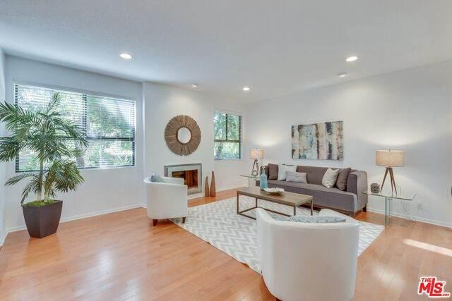 1119 23Rd St #5, Santa Monica, CA 90403 (MLS #21-728128) :: The John Jay Group - Bennion Deville Homes