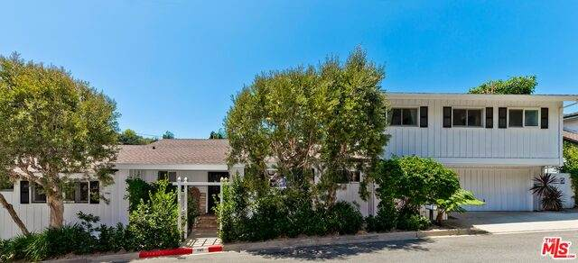 785 Norway Ln, Los Angeles, CA 90049 (#21-728422) :: Amazing Grace Real Estate | Coldwell Banker Realty