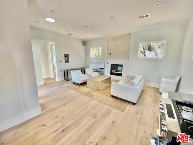 28125 Paquet, Malibu, CA 90265 (MLS #21-728542) :: The John Jay Group - Bennion Deville Homes