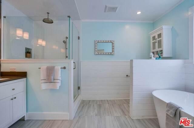 571 N Cahuenga Blvd, Los Angeles, CA 90004 (#21-728556) :: Berkshire Hathaway HomeServices California Properties