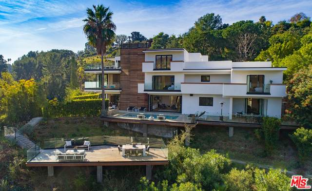 2442 Banyan Dr, Los Angeles, CA 90049 (#21-728736) :: Amazing Grace Real Estate | Coldwell Banker Realty