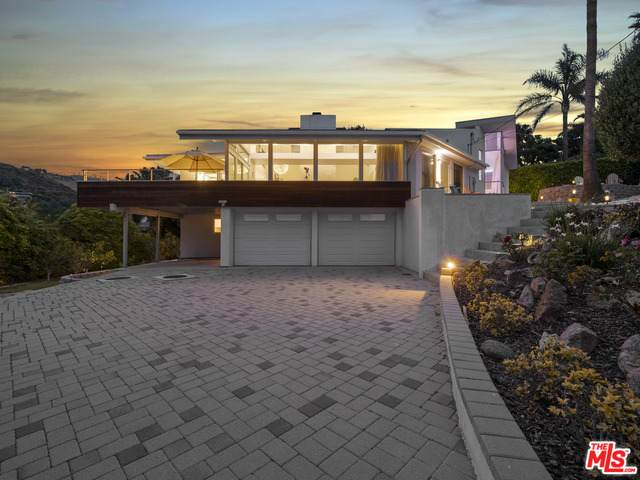 27159 Sea Vista Dr, Malibu, CA 90265 (#21-728952) :: The Pratt Group