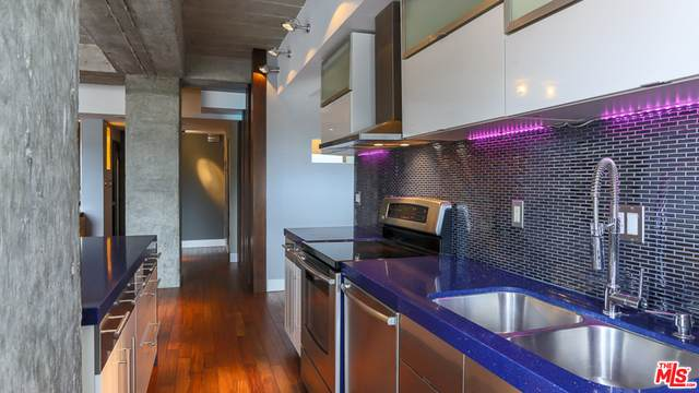 7250 Franklin Ave #1112, Los Angeles, CA 90046 (#21-729028) :: The Grillo Group