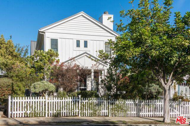 1229 22Nd St, Santa Monica, CA 90404 (#21-729114) :: Amazing Grace Real Estate | Coldwell Banker Realty