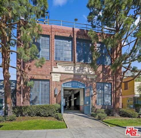 1035 W 24Th St, Los Angeles, CA 90007 (#21-729366) :: Randy Plaice and Associates