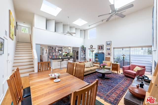 710 4Th Ave #3, Venice, CA 90291 (#21-729688) :: Berkshire Hathaway HomeServices California Properties