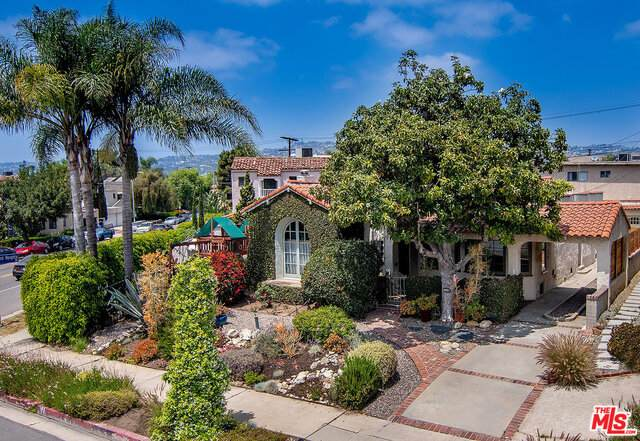 8021 W 4Th St, Los Angeles, CA 90048 (#21-729720) :: Lydia Gable Realty Group