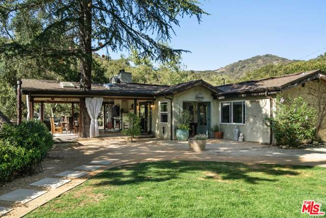 20911 Canyon Trl, Topanga, CA 90290 (#21-729858) :: The Pratt Group